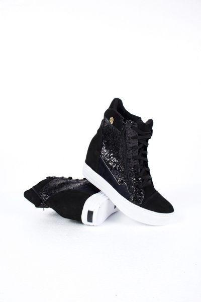 *Descrição:* Modelo lindo de ankle boot vai fazer você arrasar na produção…