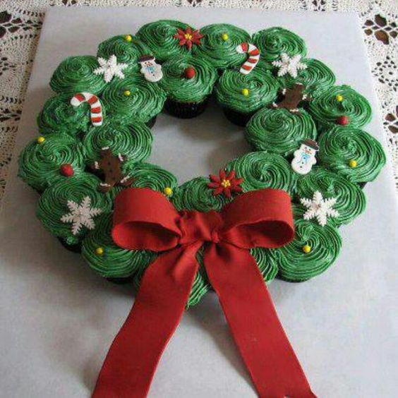 Cupcake wreath... clever
