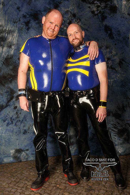 Gay Slave Latex 33