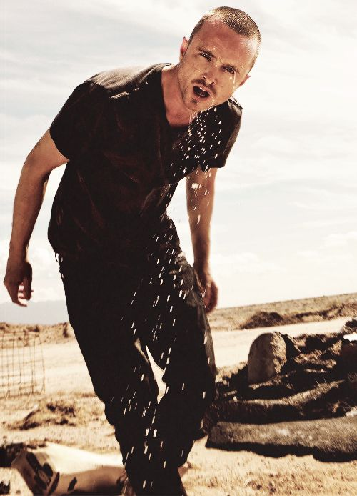 I absolutely adore Aaron Paul. I MUST STOP liking <3 all of his pics... step away from the screen...