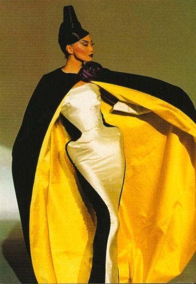 a-state-of-bliss:  Irina Pentaeva @ Thierry Mugler Fall/Wint 1995