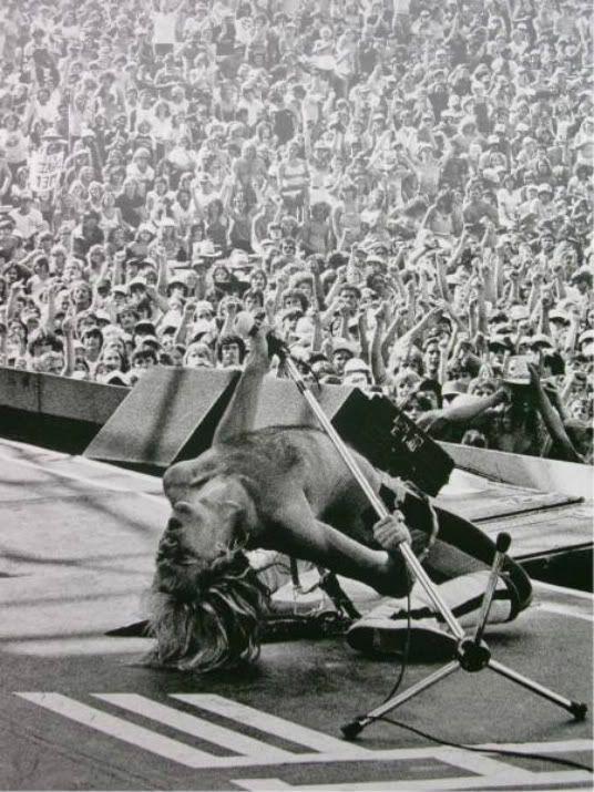 Van Halen Photo - WOW.