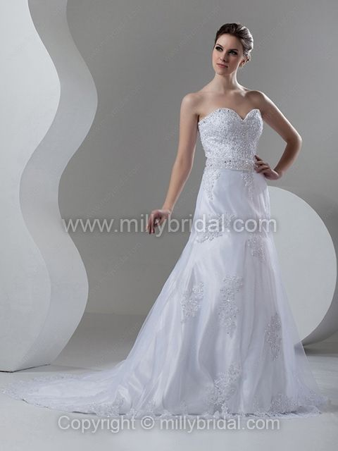 A-line Sweetheart Tulle Court Train Appliques Wedding Dresses