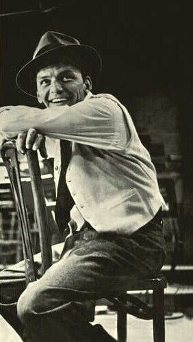 Frank Sinatra, love his smile!