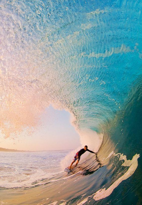 絵のようなサーフィン画像