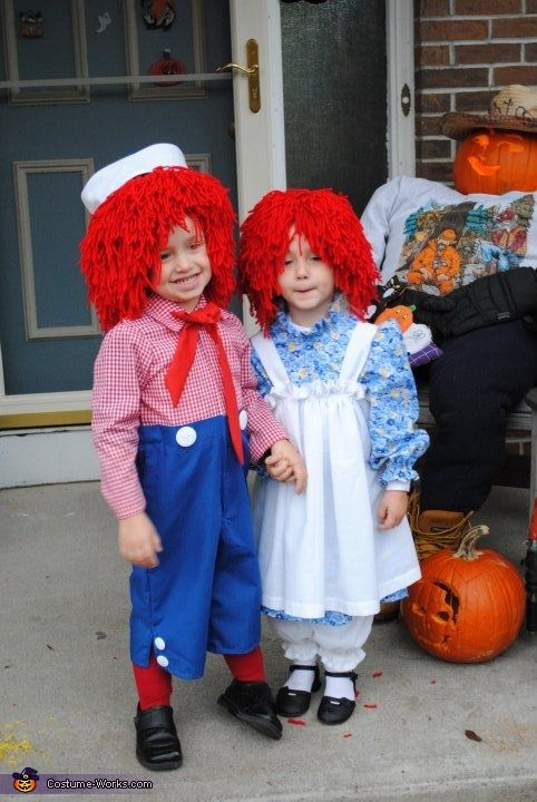 Raggedy ann and andy costume for adult shoulders
