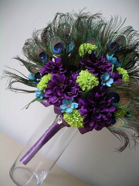 #wedding bouquet with peacock feathers