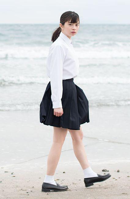 海辺の桜田ひより