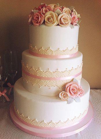 berties cupcakery wedding cake pice monte gtau de mariage cupcake - Piece Mont Mariage