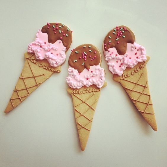 cone of ice cream cookie