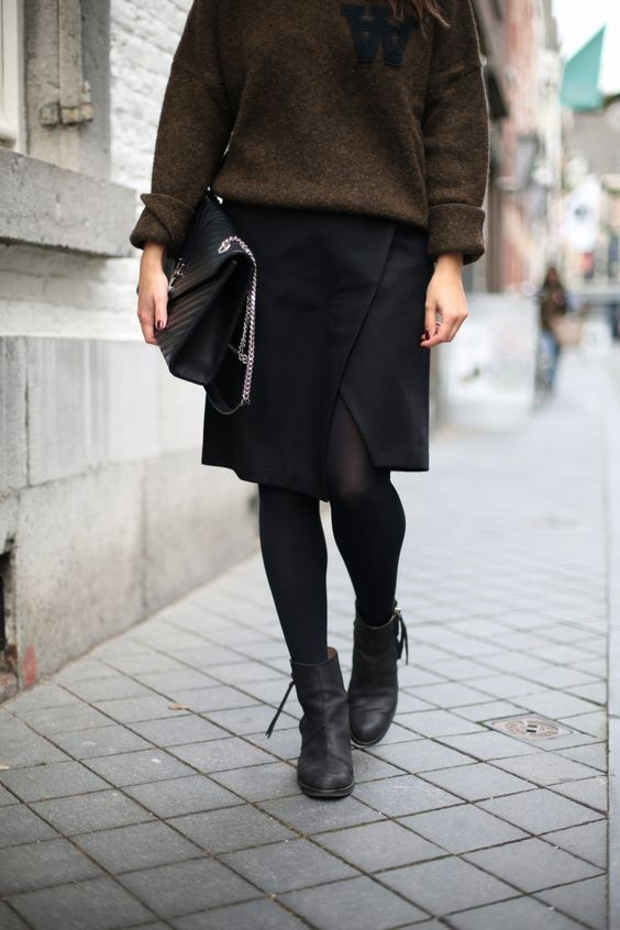 WOOD WOOD   Fiona from thedashingrider.com wears Wood Wood Knit, Edited Skirt, Le Specs Sunglasses, Acne Pistol Boots and a Bag from Saint Laurent #ootd #whatiwore #petite #petiteblogger