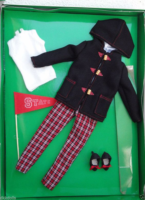 Effanbee 15 in. Toasting Marshmallows Outfit Only for Janet Lennon Doll, 2009 is offered in a Buy-It-Now Ebay listing.