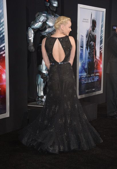 "Abbie Cornish Photos: Premiere Of Columbia Pictures' ""Robocop"" - Arrivals"