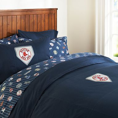 I love the boston red sox duvet cover pillowcase on for Boston red sox bedroom ideas