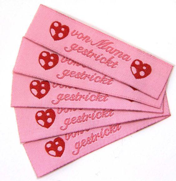 Fertige Namensbänder, Textiletiketten, handmade Stofflabels für die Handarbeit. http://www.namensbaender.de/shop/handmade-handgemacht-mit-herzen/36