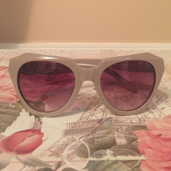 Karl Lagerfeld sunglasses Grey Karl Lagerfeld sunglasses. Never worn, no scratches. Received as gift, price negotiable. Karl Lagerfeld Accessories Sunglasses