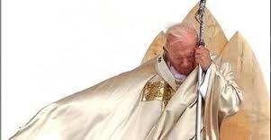 O Papa João Paulo II vai ressuscitar? (Sua ampola de sangue foi roubada para que a clonagem seja feita e que a profecia se realize)? Papa João Paulo