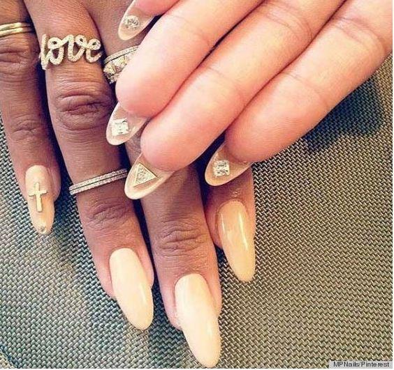 Flip-side: Nova tendência em unhas decoradas - http://fotosunhas.com/flip-side-nova-tendencia-em-unhas-decoradas/