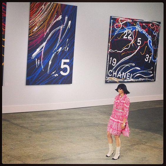 Chanel art gallery catwalk #parisfashionweek # fashion # style