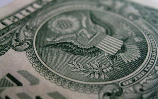 Is it worth to keep your assets in USD?