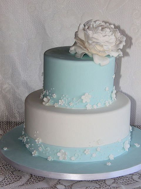 tiffany blue and white wedding cakes white wedding cakes with blue flowers 20996