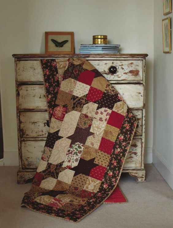Layer Cake Quilt Pattern Book : Three sisters, Quilt and French general on Pinterest