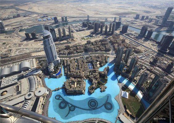 """Ein absolutes Muss ist ein Besuch der Aussichtsplattform des Burj Khalifa im 124. Stock. Sie trägt den Namen """"At the top"""". Es werden zwei Arten von Tickets angeboten mehr Infos dazu finden Sie in unserem kostenlosen Reiseführer."""