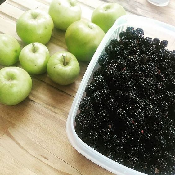 Blackberries from the local woods, apples from garden. Add some spices and BOOM…: