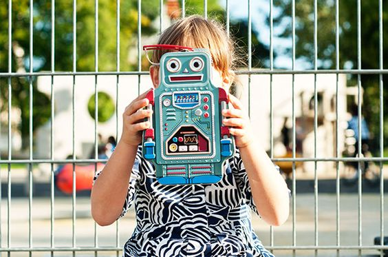 A Classic Tin Lunch Box in The Shape of a Robot - From Suck UK