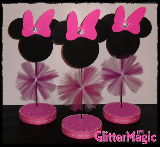 Minnie mouse centerpiece minnie mouse by glittermagic23s for Baby minnie mouse decoration ideas