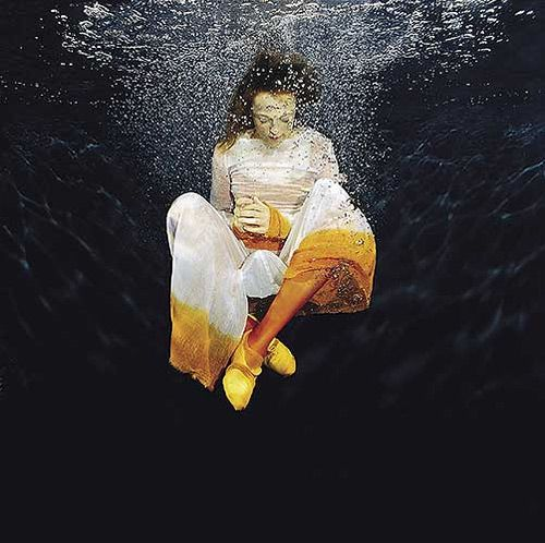 Dive-In To These Magnificent Underwater Photography on http://naldzgraphics.net