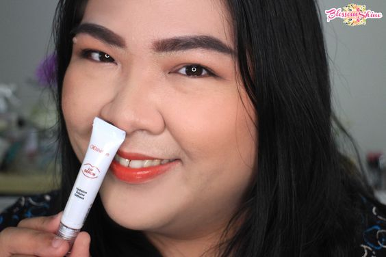 Gunakan Lip Serum Elsheskin for smoother and healthier lips