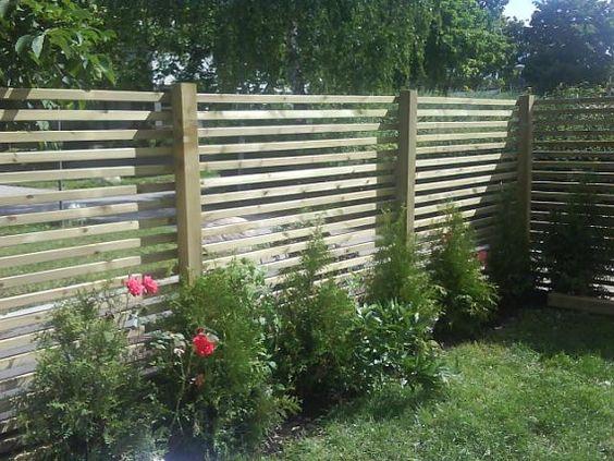 Staket med spalje upptill. | staket | Pinterest
