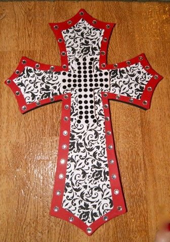 Erynne-made Cross