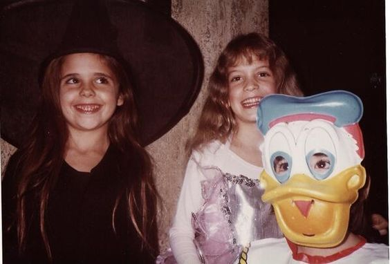 FYI: Before she was a vampire slayer, Sarah Michelle Gellar was a cute witch.