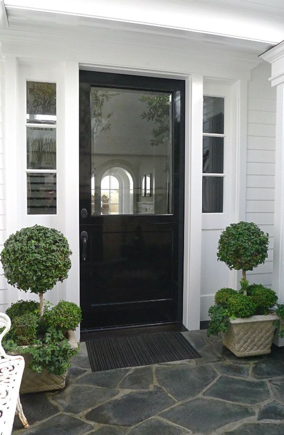 Ciao newport beach home tour modern cape cod style for Cape cod front door styles