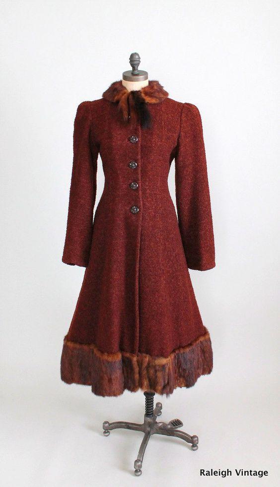 терракоттовое винтажное пальто с мехом