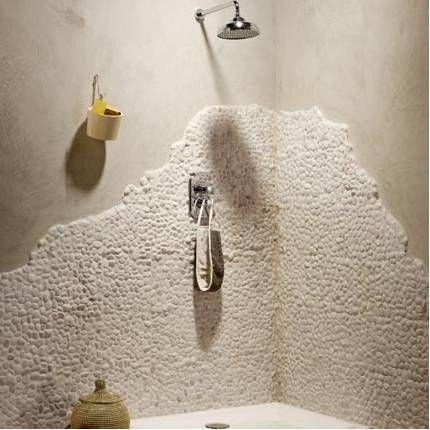 Galets blancs de bali pour douche l 39 italienne salle de bain pinterest nature d co et bali for Peinture pour douche italienne