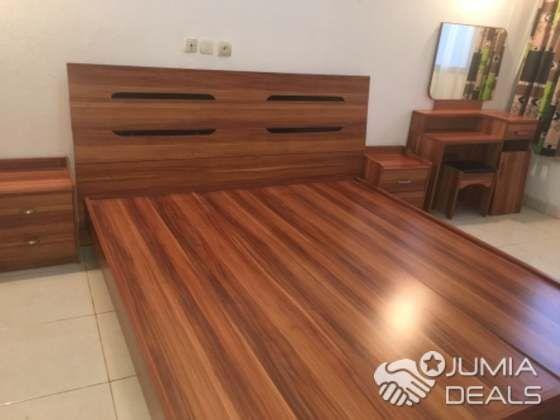 Lit Plus Coiffeuse Cote D Ivoire Home Hardwood Floors Flooring