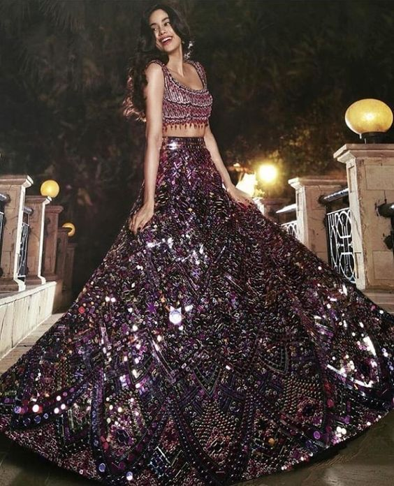 Jhanvi Kapoor Dazzles Bright In Manish Malhotra At Priyanka And Nick's Reception - HungryBoo