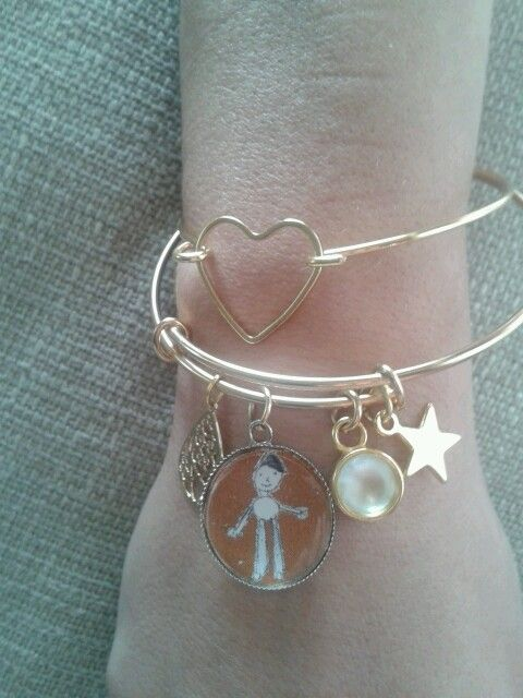 bracelet. 25 €