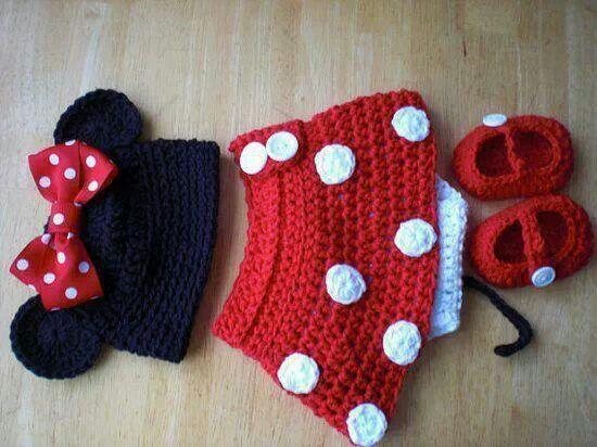 Snood Scarf Knitting Pattern : Minnie mouse crochet outfit. No pattern Knitting & Crocheting how too