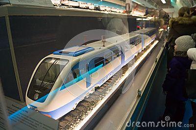 Trem branco modelo