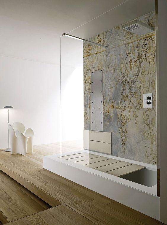 Area doccia con pannello fisso in cristallo temperato tasparente ...
