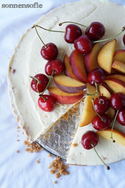 Kühlschrank Käsekuchen mit sommerlichen Früchten