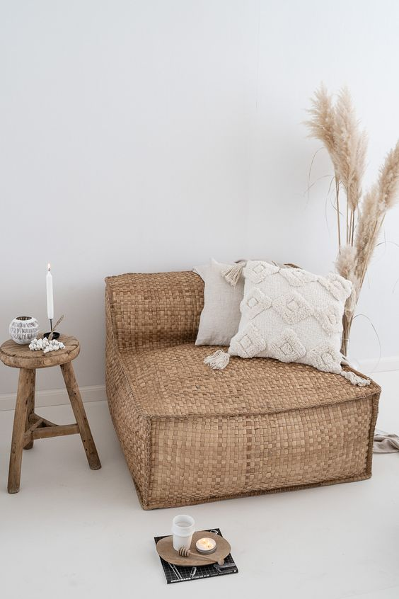Lounging in the summer #whiteliving #bohodecor #summer ~ Archipedi