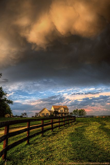 Virginia Farm Sunset, fantastic and indescribable. I LOVE this. This is my dream house. With the land and the drive way and the fence. Yes<3: