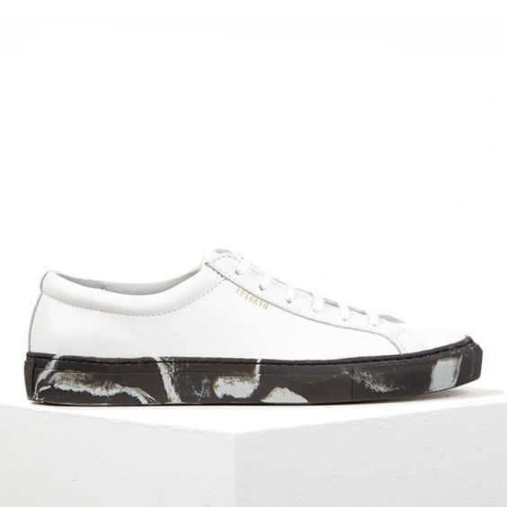 Low sneaker in pure white leather with marble sole by Axel Arigato