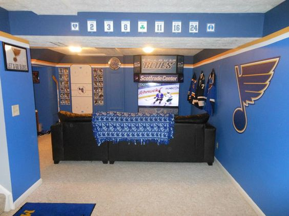 Nhl Man Cave Ideas : In order to forge his ultimate man cave he has get