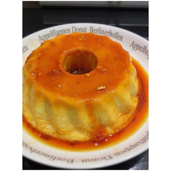 SnapWidget | Pudim de queijo, esse realmente é DIVINOOO!  A receita é hiper fácil, anota aí: ✔️1lata de leite condensado ✔️A mesma medida da lata de leite condensado de leite ✔️3 ovos 1 pote de cream cheese philadelphia( aqui é de 175gr) Modo de preparo: ➡️Bata todos os ingredientes no liquidificador, caramelize uma forma de furo central, despeje o pudim na forma e leve para assar em banho maria por aproximadamente 40 minutos, o ponto certo é quando a superfície fica bem douradinha e o pudim…